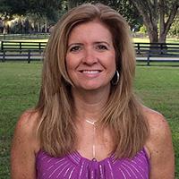 Linda Paglia headshot